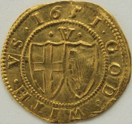 HAMMERED GOLD 1651  COMMONWEALTH CROWN CROWNED ST GEORGE SHIELD IN WREATH REVERSE GOD WITH US CONJOINED SHIELDS OF ENGLAND AND IRELAND MM SUN VERY RARE - LIGHT CREASE GVF